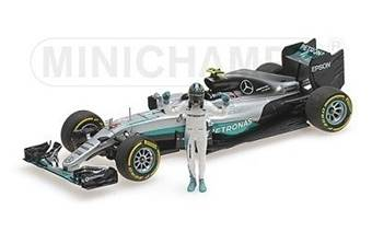 MERCEDES AMG PETRONAS F1 TEAM F1 W07 HYBRID ROSBERG WORLD CHAMPION 2016 W/ FIGURINE L.E. 1002 pcs.