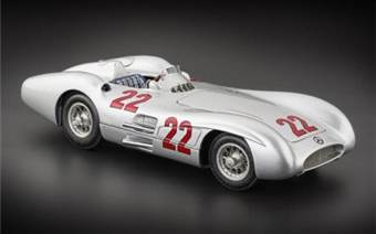 Mercedes-Benz W196R Streamliner 1954 #22 Reims Hans Herrmann Limited Edition 1000 Pcs.