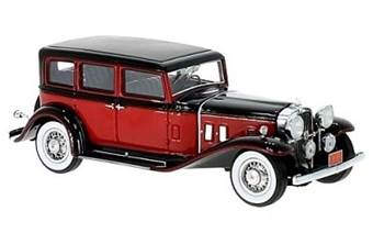 STUTZ SV-16 SEDAN RED / BLACK